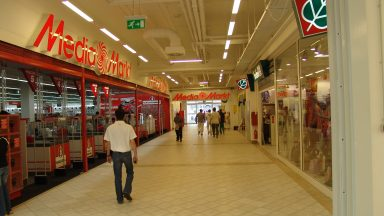08.Fehér Palota - Üzletközpont átépítése, bővítése