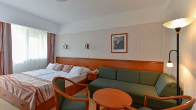 15.Hotel Panoráma