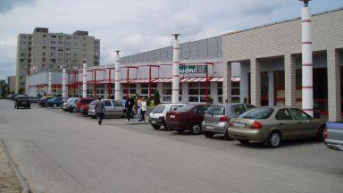 Eredeti kialakítás, parkoló felőli homlokzat, 1999