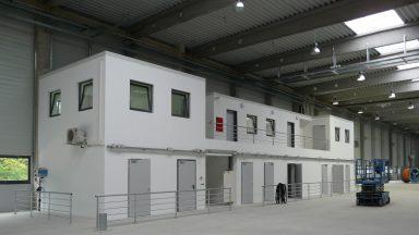 Fejépület és multifunkciós gyártócsarnok